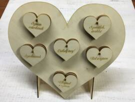 Natúr fa szív állvány 30db szívvel