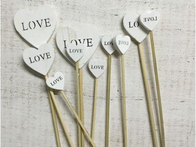 Fehér fa szívek LOVE beszúrható vegyes