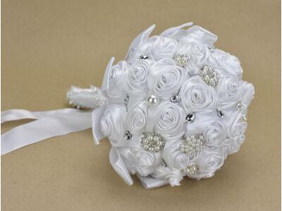 Esküvői csokor szatén rózsás gyöngyös