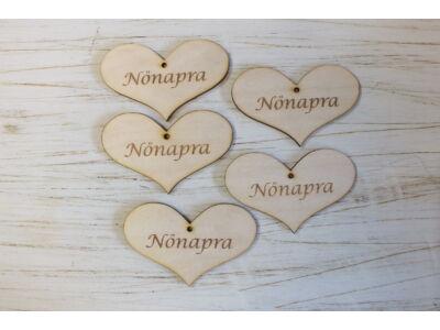 """Natúr szív romantik """"Nőnapra"""" felirattal 5db/csomag"""
