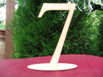 Natúr fa Asztalszám 7-es