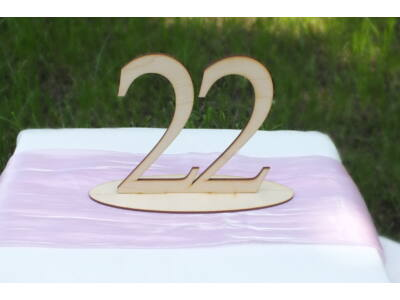 Natúr fa Asztalszám  22-es
