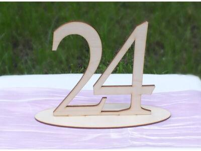 Natúr fa Asztalszám 24-es