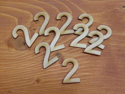 Natúr fa számok 2-es 3cm 10db/cs