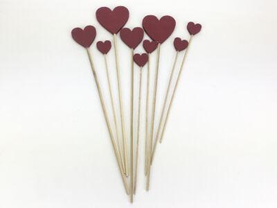 Piros fa szívek beszúrható vegyes 9db/csomag