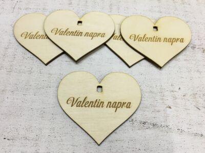 """Natúr fa - Szív """"Valentin napra"""" 7cm 5db/cs  (szív állványhoz)"""