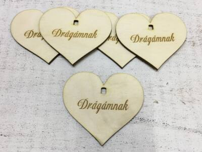"""Natúr fa - Szív """"Drágámnak"""" 7cm 5db/cs  (szív állványhoz)"""