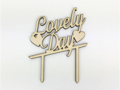 "Natúr fa - ""Lovely Day"" beszúrós felirat"