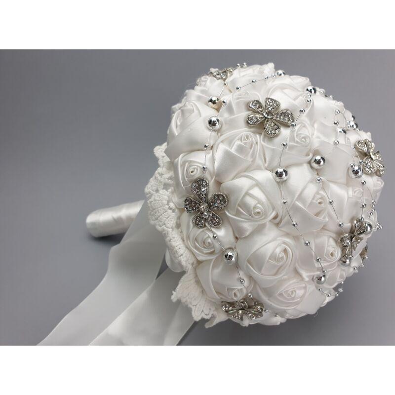 Esküvői csokor szatén rózsás