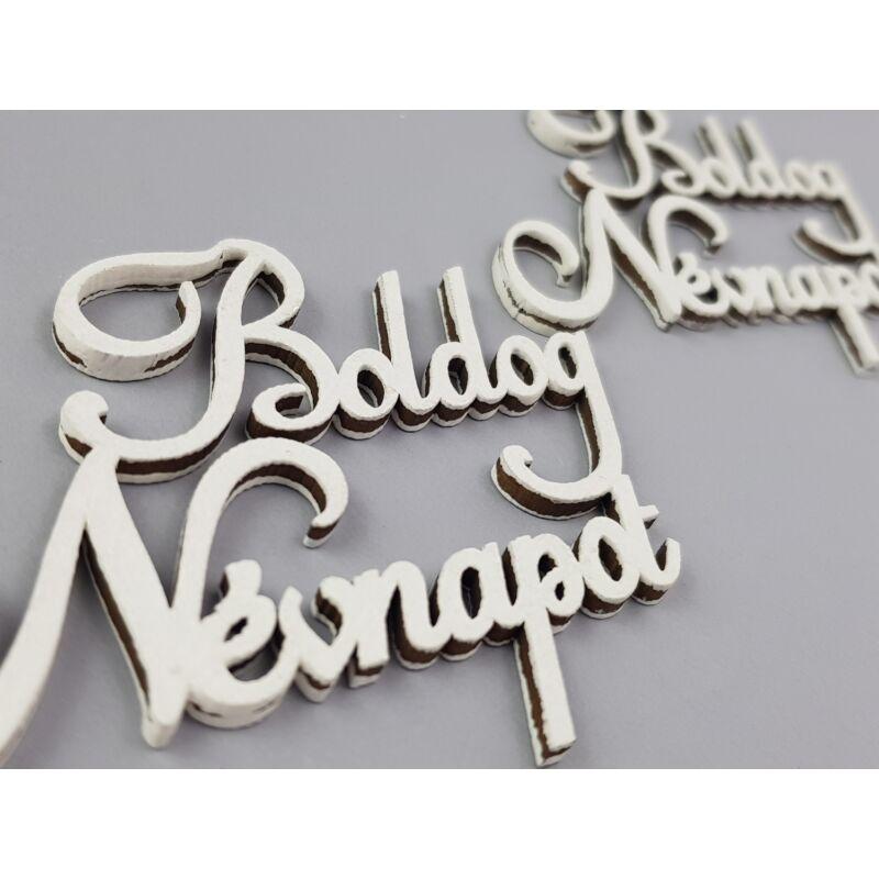 """Natúr fa - """"Boldog névnapot"""" felirat fehér 9cm 2db/csomag"""